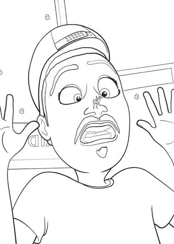 A Man Afraid Of Bee Stung In Bee Movie Coloring Pages