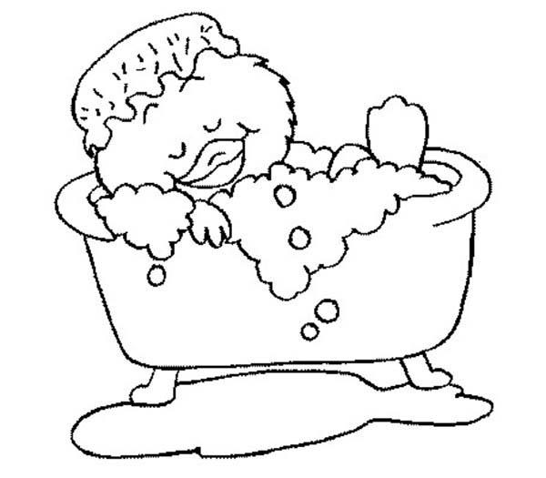 Funny Duckling Is Sleepy Bath Time Coloring Pages