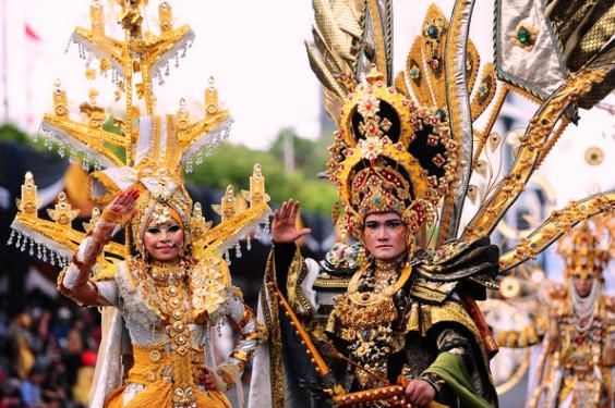 Jember Fashion Carnival Best Costume Gold Color