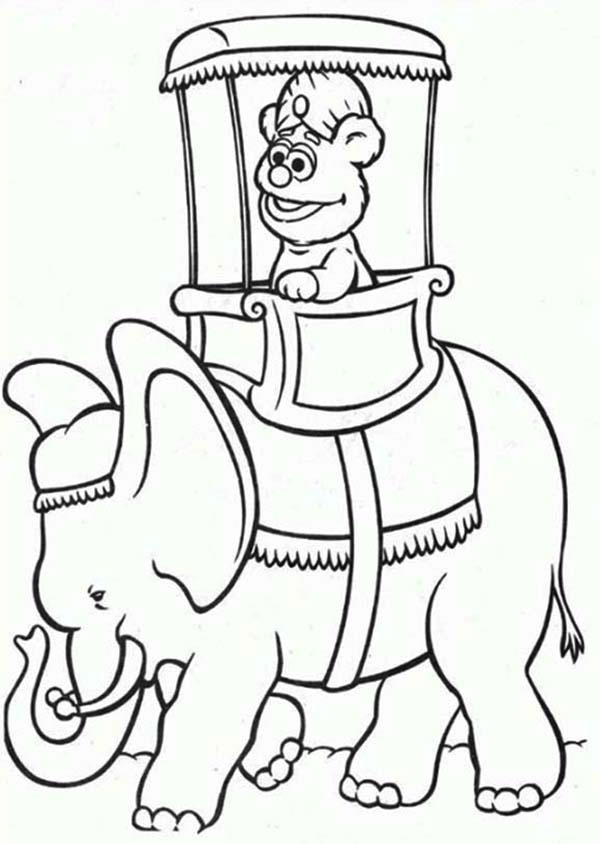Little Fozzie Rize An Elephant The Muppets Coloring Pages