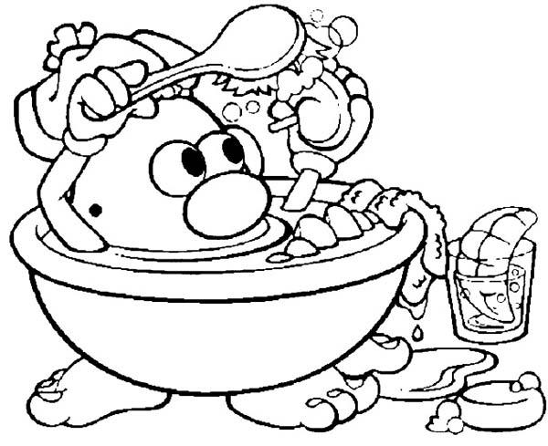 Mr. Potato Head Take A Bath Washing His Nose Coloring Pages