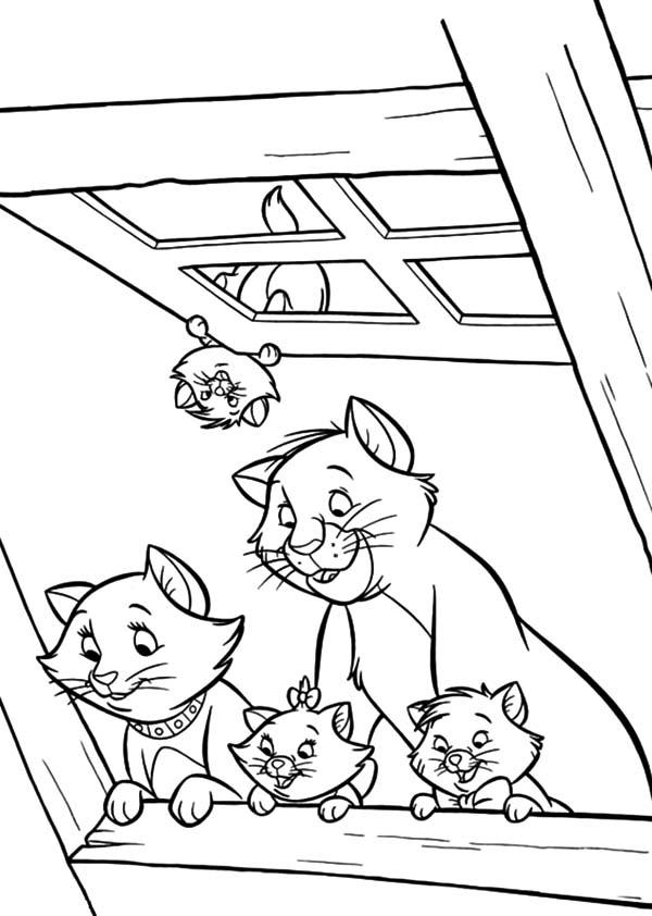 The Aristocats Peek From Window Coloring Pages